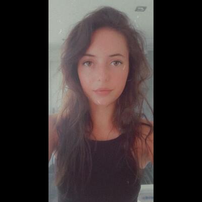 Yvette zoekt een Kamer / Appartement / Huurwoning in Breda